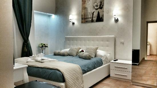 Suite familiare con bagno, salotto con divano letto e cucina - Foto ...