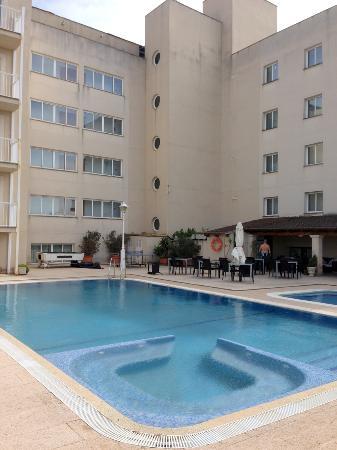 Hotel Sant Jordi: piscina