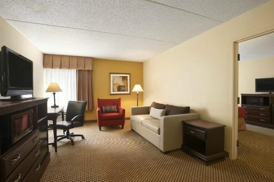 Country Inn & Suites By Carlson, Jacksonville I-95 South: Country Inn and Suites Jacksonville florida King Suite