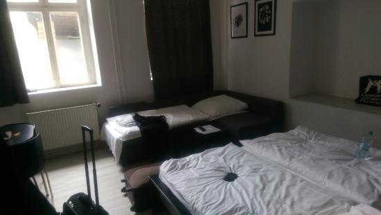 Juncker's Hotel Garni: room 6