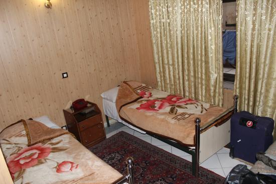 Kosar Hotel: twin room