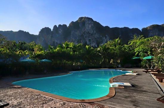Green View Village Resort: piscine