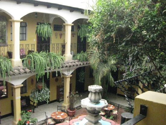 Hotel Posada San Vicente: Hotel Courtyard