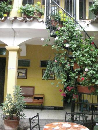 Hotel Posada San Vicente: Courtyard