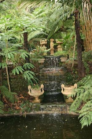 Lamorran House Garden: A little bit of Italy