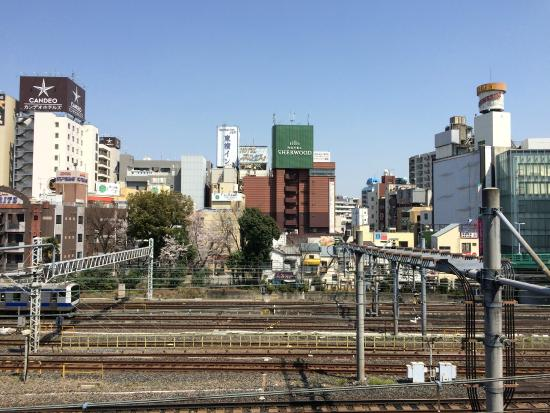 Hotel Sherwood : Blick vom Bahnhof Uguisudani