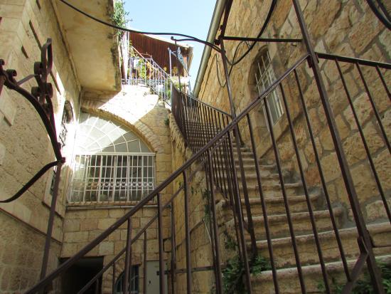 Diana's House: лестница