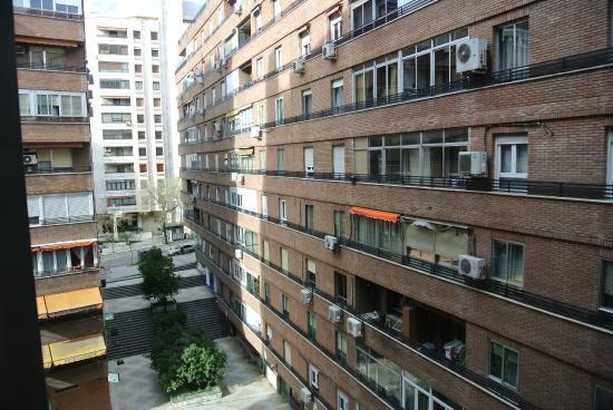hotel moncloa:
