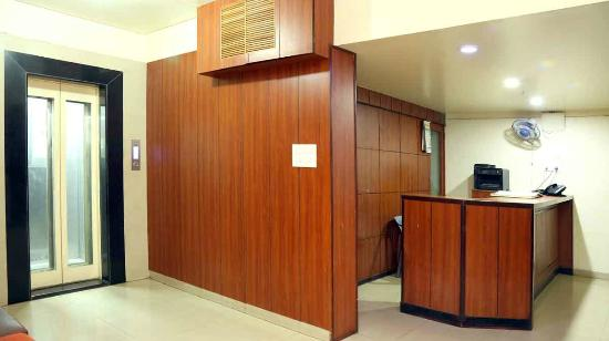 Pathik Hotel: reception