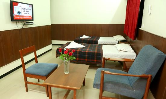 Pathik Hotel: room