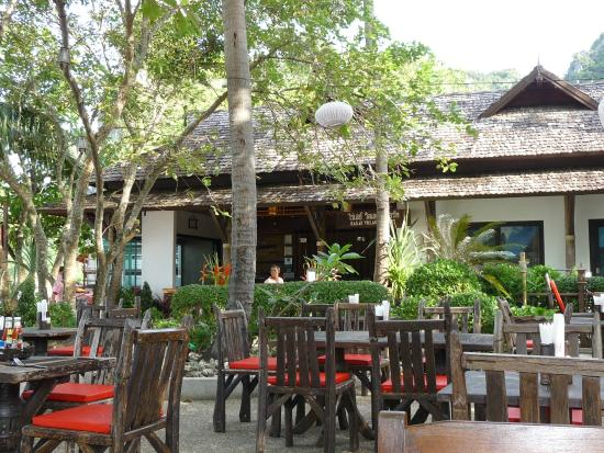 Railay Village Resort: Restaurant - Terrasse