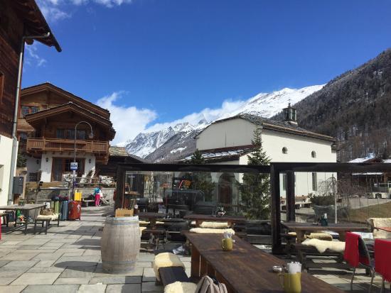 Sonnmatten Restaurant & Suite: Outdoor seating area