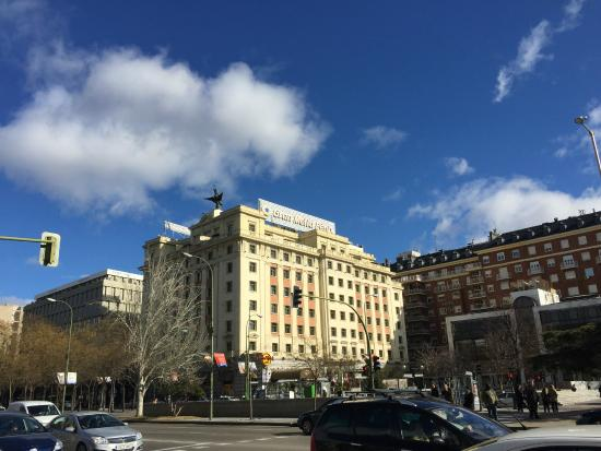 Hotel fachada picture of gran melia fenix madrid for Gran melia hotel