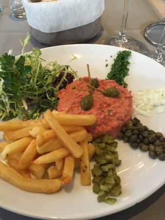 Classic steak tartare - Foto di De Statie Brecht, Brecht - TripAdvisor