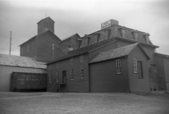 Neligh, NE: mill museum - film