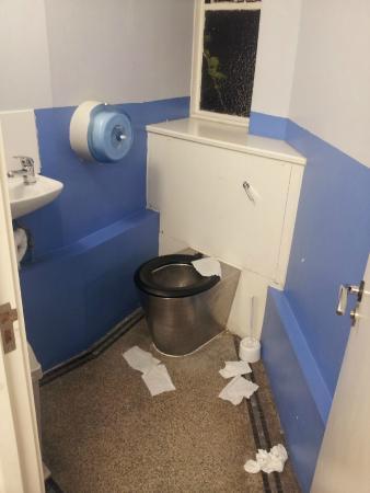 """Home Brighton: Die """"super"""" Toiletten"""