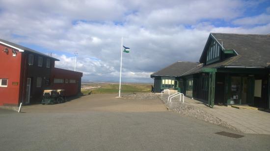 Royal Porthcawl Golf Club: Pro Shop/Clubhouse