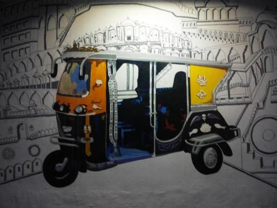 Tuk Tuk Restaurant Restaurante Tuk Tuk* & funny and cool wall art - Picture of Tuk Tuk Restaurant Jaipur ...