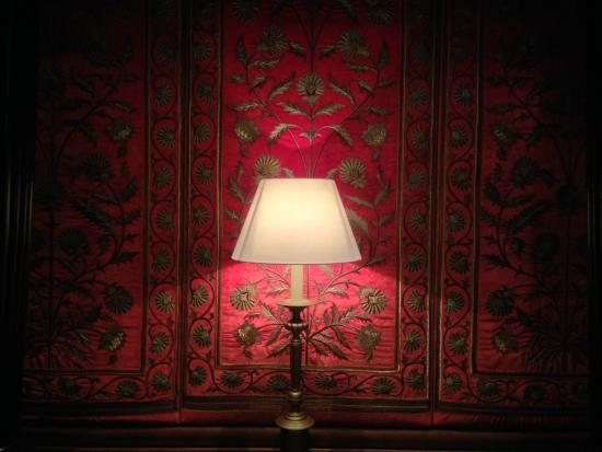 Nawab Saheb: Warm decor