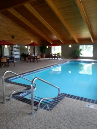 AmericInn Grand Rapids: pool area 3