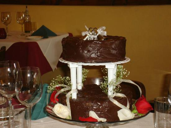 La Galleria: Special cakes available for weddings, birthdays and other celebrations.