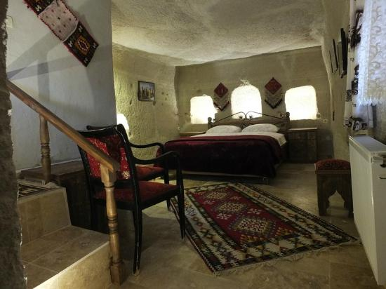 Anatolia Cave Pension: Room in fairychimney No 105