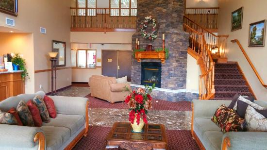 Palmyra Inn & Suites: Lobby