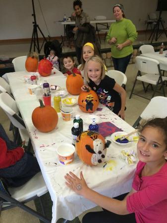 Stoney Creek RV Resort & Campground: Halloween Weekend Pumpkin Decorating