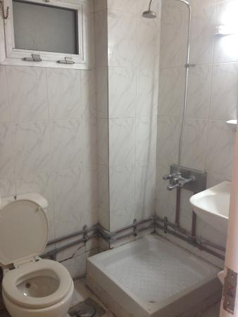 Royal Crown Hotel Alexandria: Bathroom