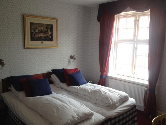 Hotel Kirstine: Værelset - med de lækreste dyner og hovedpuder