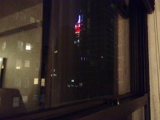 Murray Hill East Suites: Empire State desde la habitación.