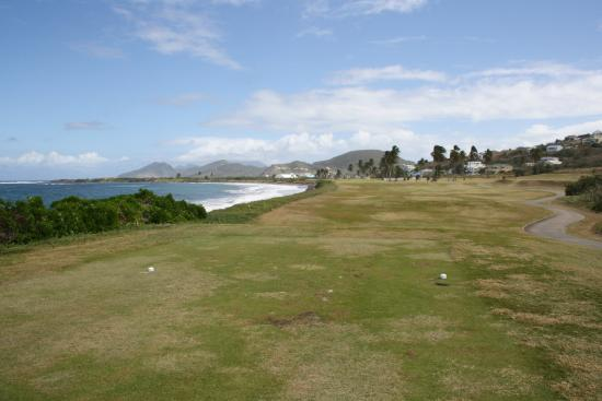 South Coast, St. Kitts: 16th tee