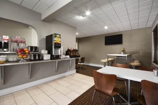 Super 8 Wytheville: Breakfast Area