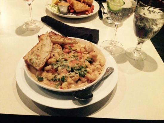 Scratch Restaurant & Lounge: Seafood Pasta