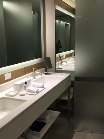 The Knickerbocker Hotel: Stunning Bathroom