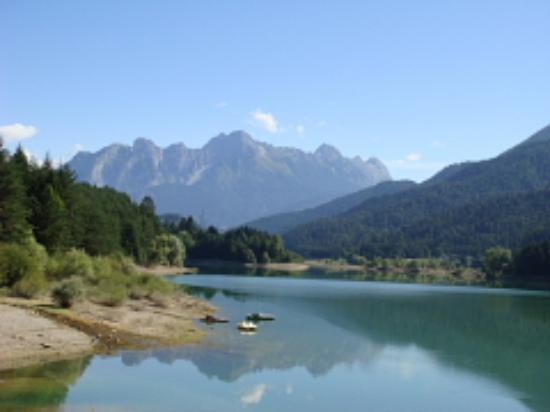 Lozzo di Cadore, Italie : Lago di Cadore