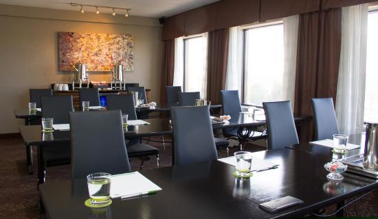 هوليداي إن شارلوت يونيفرستي إكزيكتف بارك: Meeting Room