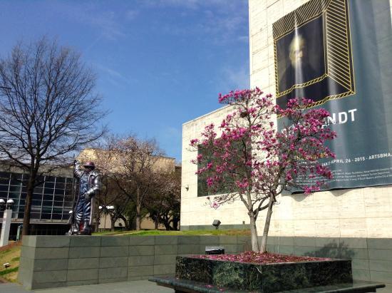 Birmingham Museum of Art: Outside