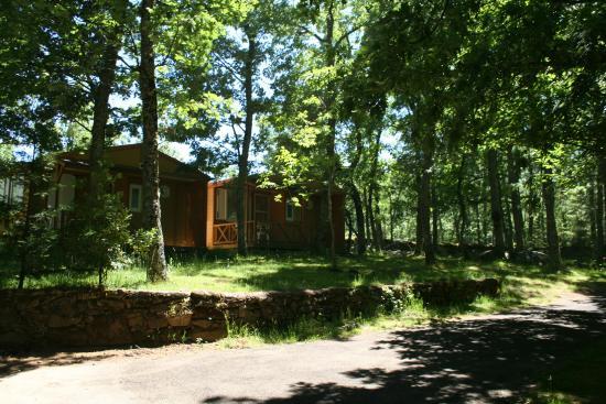 bungalows 5pax - picture of camping sierra de francia, nava de