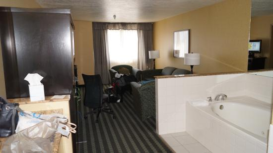 La Quinta Inn & Suites Logan: room view