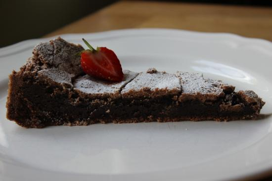 West Sussex, UK: Swedish sticky brownie - kladdkaka (irresistible)