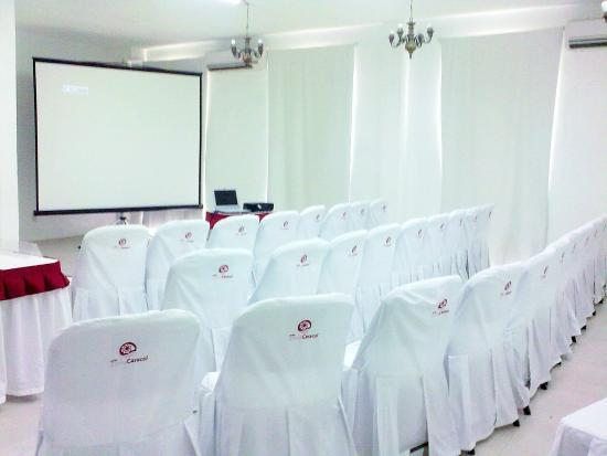 Hotel ZihuaCaracol : Salón Moderniza ideal para los que viajan en Plan de Negocios