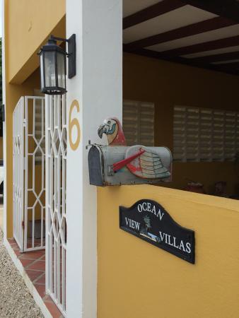 Ocean View Villas, Bonaire: Front Gate