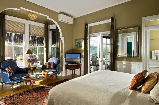 برنس ألبرت جيست هاوس: Room # 2; King Bed, Private Screened Patio