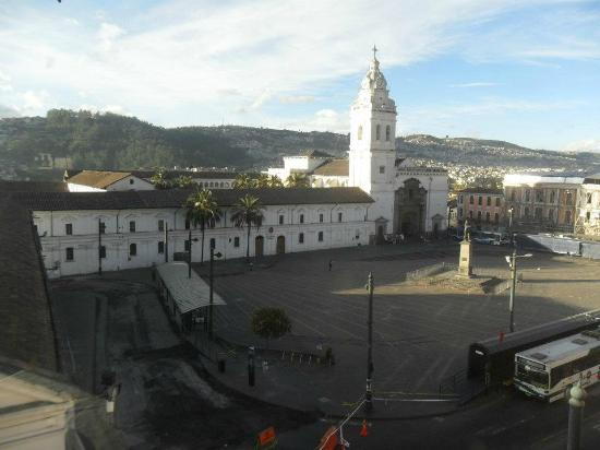 Santo Domingo Plaza (Plaza de Santa Domingo): Plaza de Santo Domingo vista da janela do meu quarto