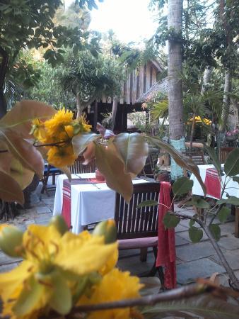 Sunset Restaurant: garden restaurant