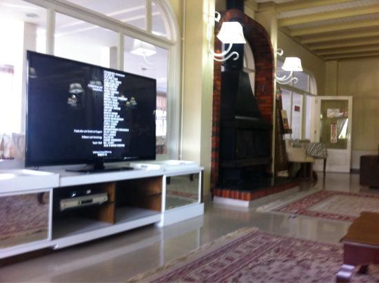 Sala de estar/tv (Ala I) - Picture of Hotel Galo Vermelho, Gramado ...