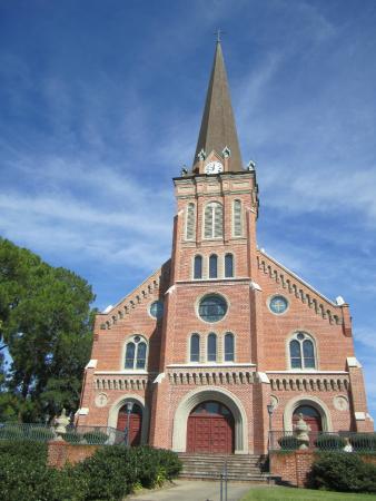 Days Inn Abbeville: St Magdelene cathedral