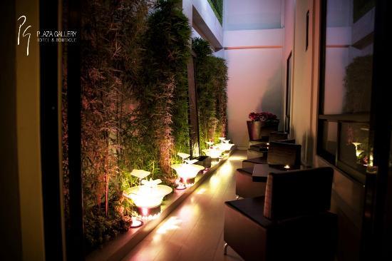 Plaza Gallery Hotel & Boutique: Jardin Exterior