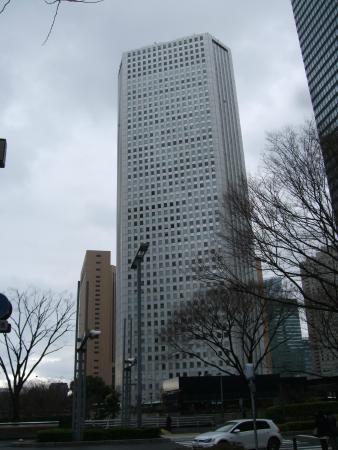 Shinjuku Sumitomo Building: 三角ビルと呼んでいます